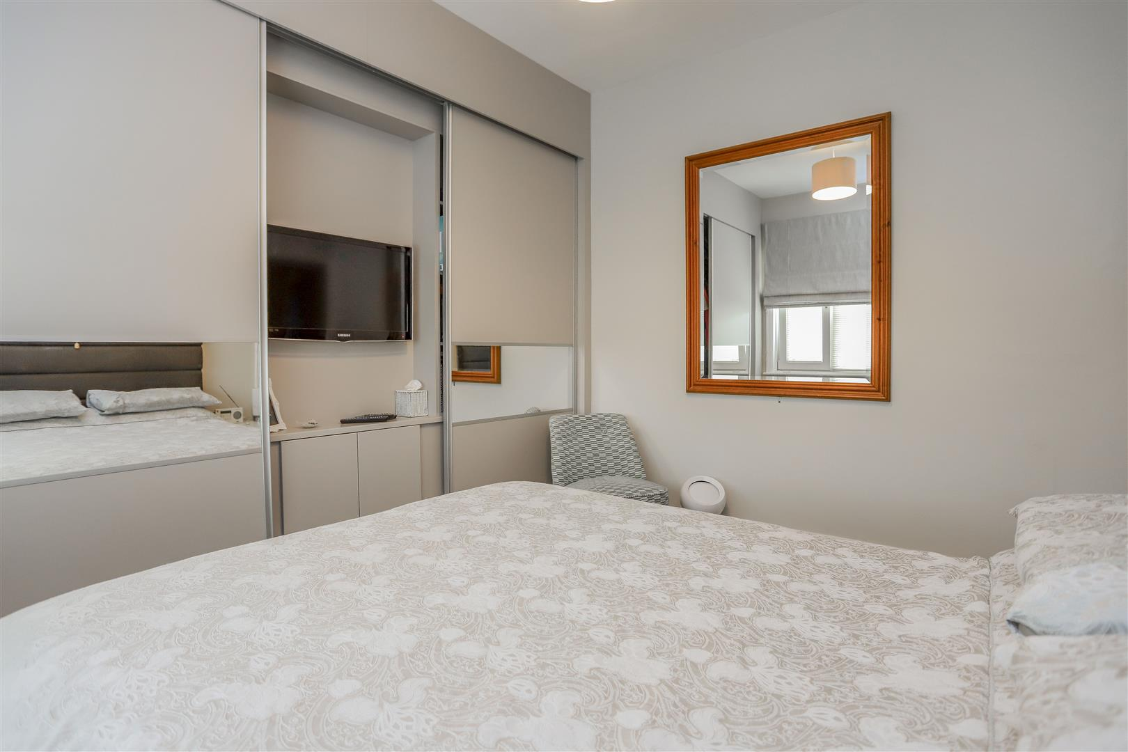 3 Bedroom Semi-detached House For Sale - 24.JPG